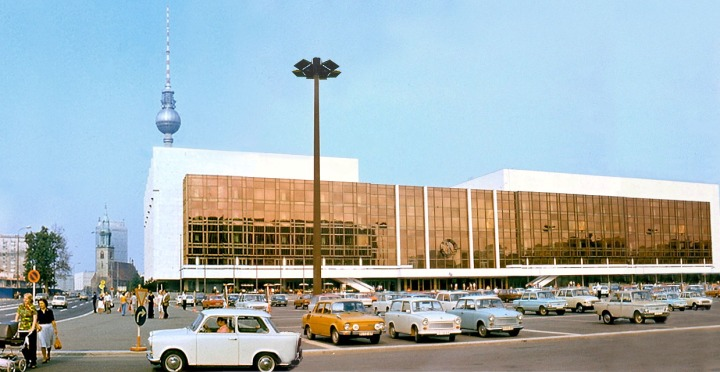 berlin_Palast_der_Republik_DDR_1977