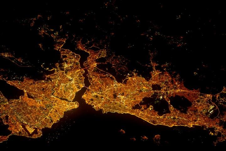 İstanbul_NASAISS032-E-017547_lrg